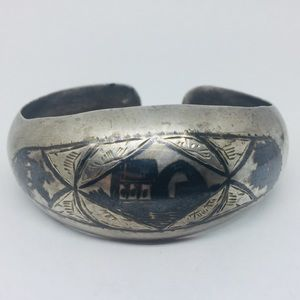 Antique Iraqi Niello Marsh Arab Silver Cuff